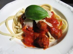 Bucatini mit Salsiccia